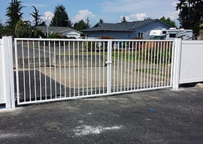 24' DD Orn Iron White Gate