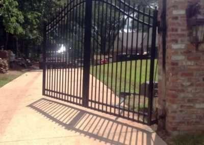 Uphill Swing Gate