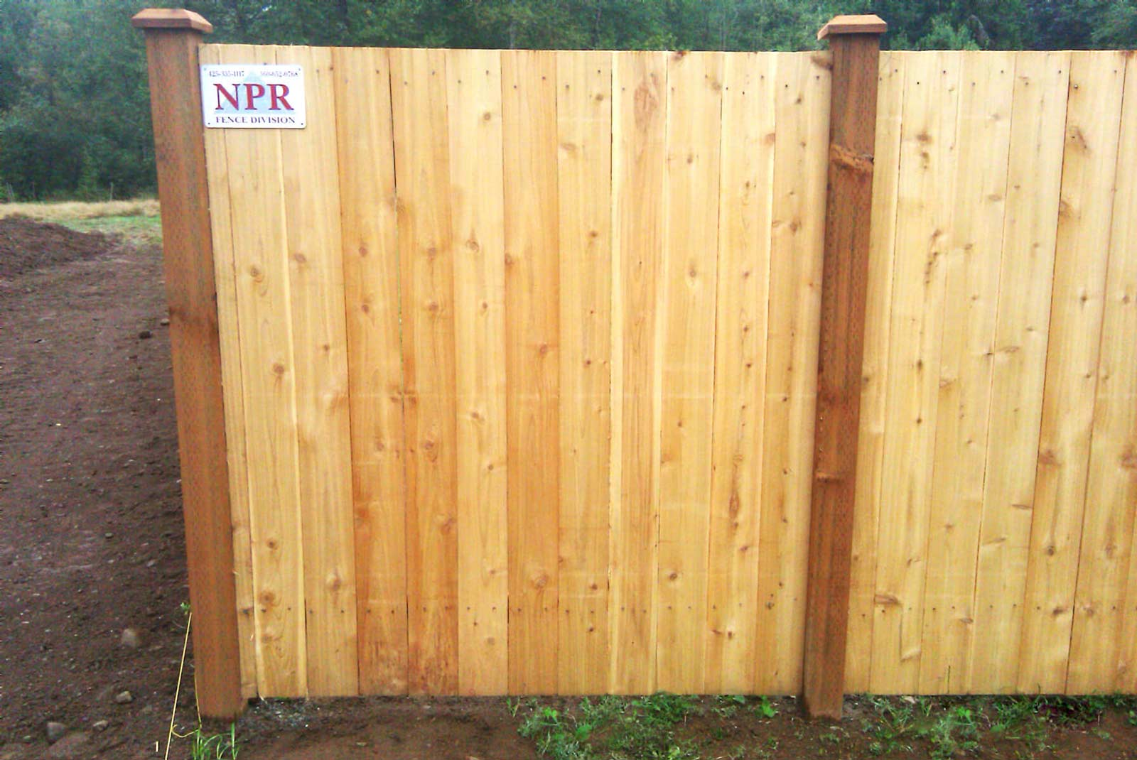 how to install rails between fence posts