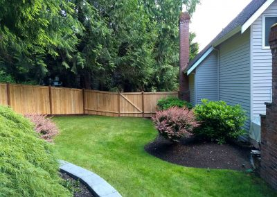 6-mod-panel-fence-1x4-1-boards-with-a-6-mod-style-single-swing-gate