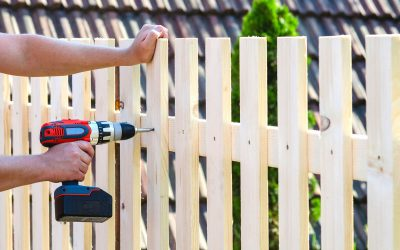 How to Choose the Right Material for Your Fence