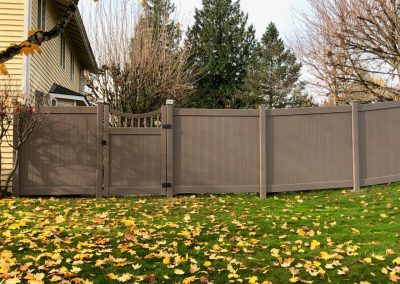 Bufftech Chesterfield privacy fence, CertaGrain texture, Weathered Blend