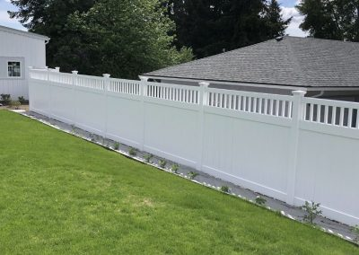 6' Bufftech Chesterfield CertaGrain 6' Privacy fence with Victorian accent in white