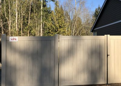 6' Privacy T&G vinyl fence in Driftwood