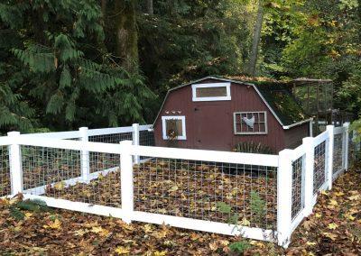 4' Hog Panel fence, white vinyl frame with 4 x 4 hog mesh