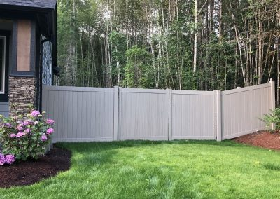 6' Privacy T&G vinyl fence in color Driftwood